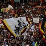 romanews-roma-bandiera-derby-vs-lazio-partita