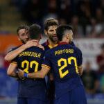 romanews-roma-europa-league-basaksehir-esultanza-squadra-gol-pastore