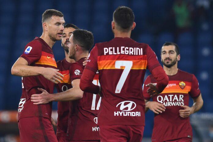 romanews-roma-torino-veretout-gol-esultanza-abbraccio-dzeko-pellegrini-spinazzola-mkhitaryan